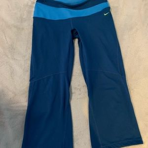 Nike capris dri fit with bonus pocket